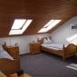 Schlafzimmer 2 mit 2 getrennten Betten